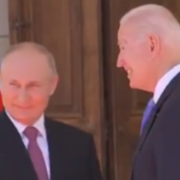 Ex Navy Seal: Russia Threatened The United States And Biden Failed To Act