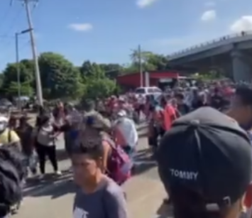 Migrants Break Through Mexican Police Heading This Way